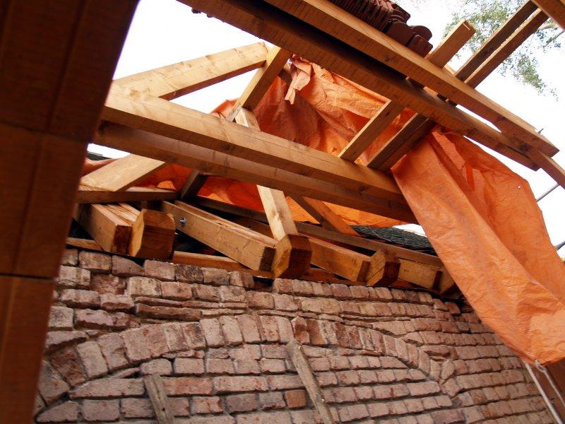 Eingebundene Dachkonstruktion vom Pilgerquartier Foto S.Adaschkiewitz  jpg