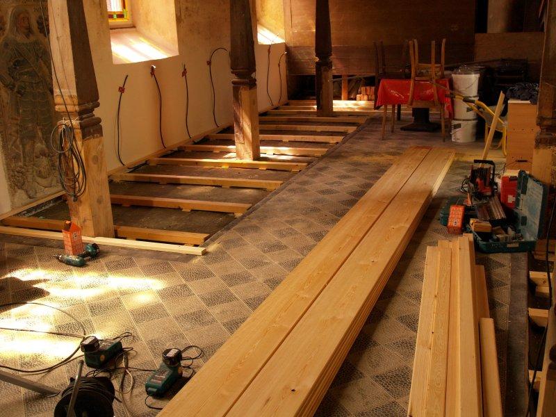 Einbau Fußboden nach Sanierung im Bereich Foto S.Adaschkiewitz jpg