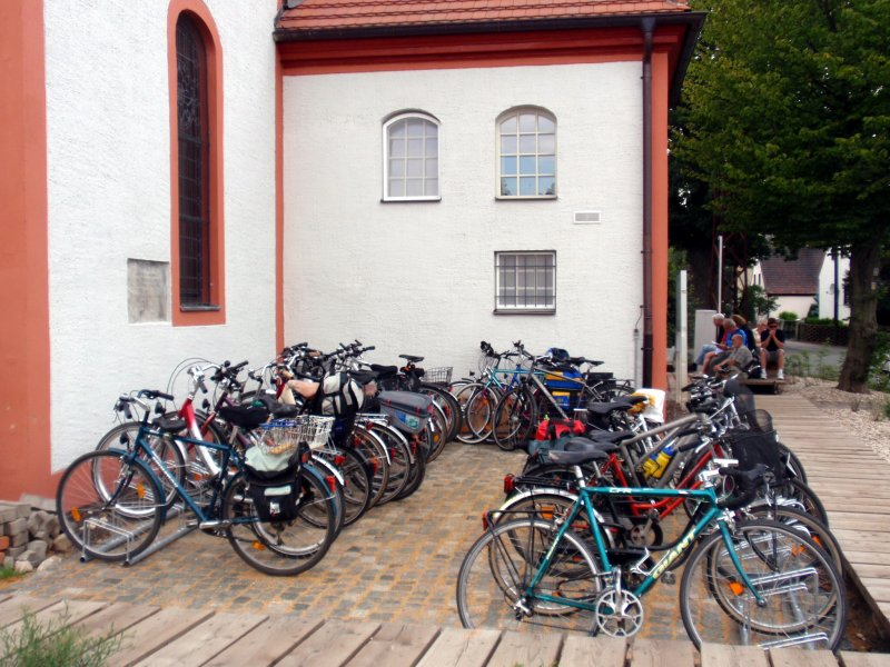 Besucherfahrräder  während einer Kulturveranstaltung Foto S.Adaschkiewitz . jpg