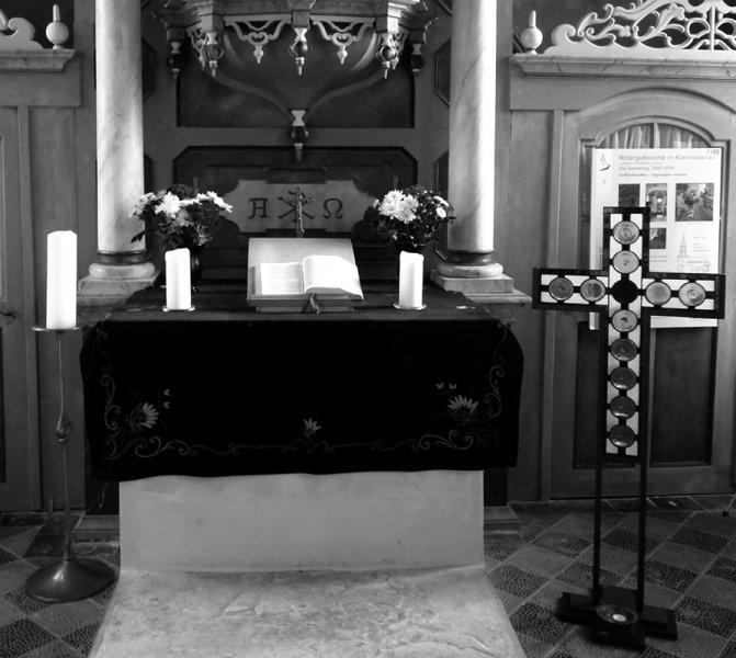 2018 1031 AZ 0561 Altar KLB schwarz weiss