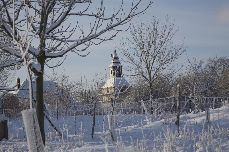 Die Kirche im Winter (2010) | Foto: Heike Sichting