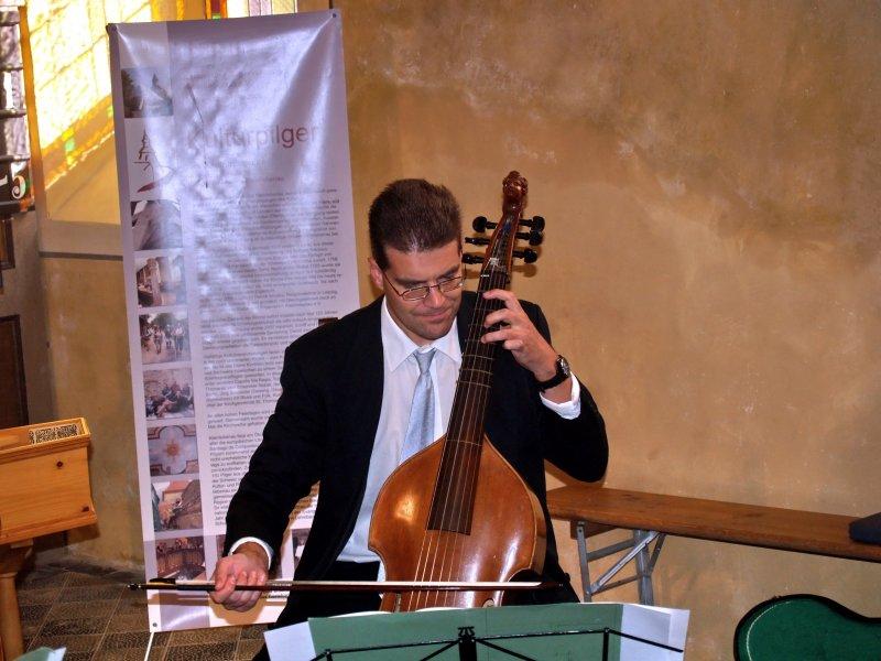 Andreas Linde von der Gambenfamilie | Foto: Siegfried Adaschkiewitz