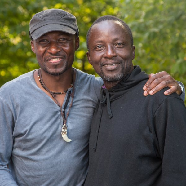 Dolus Mutombo und Freund (August 2018) | Foto: Holger Simmat