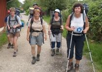 Diese Pilgertruppe half uns fleissŸig beim Kiesschippen für das Fundament der Herberge (2007) | Foto Siegfried Adaschkiewitz